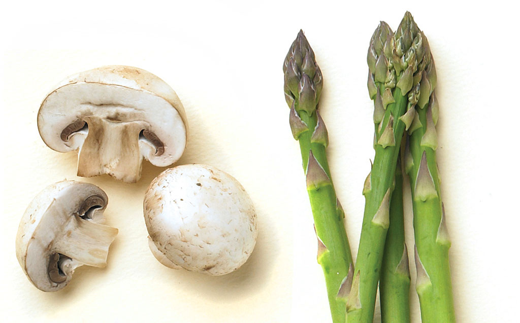 Mushrooms and asparagus