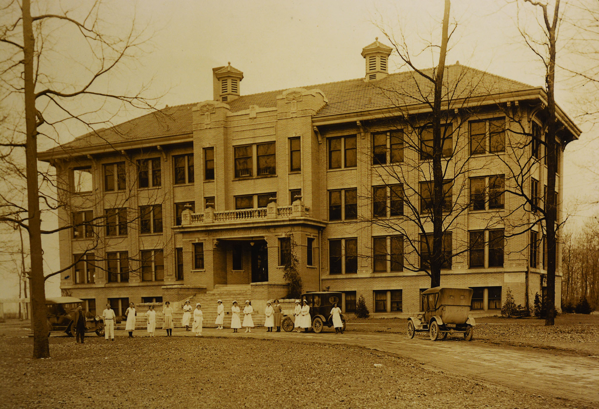 1917 photo of Bartholomew County Hospital