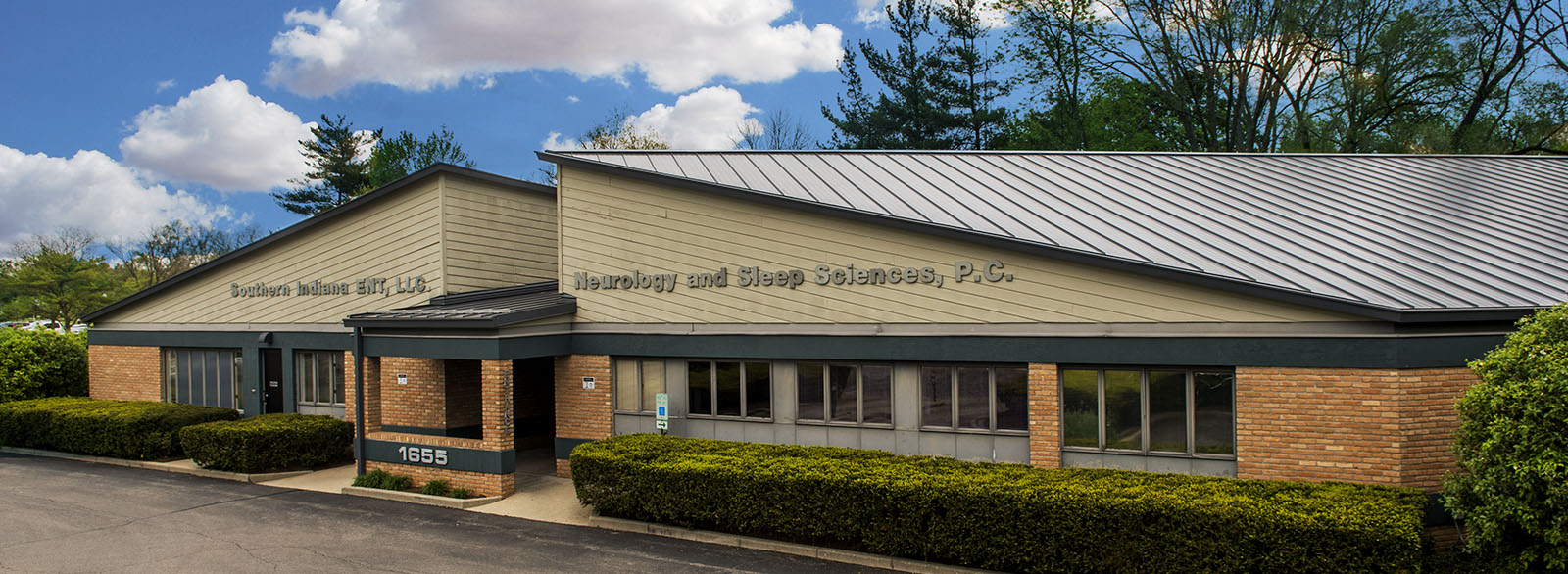 Neurology and Sleep Sciences building exterior